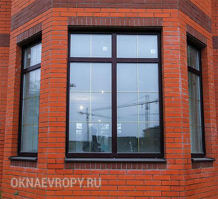 Темно коричневые окна